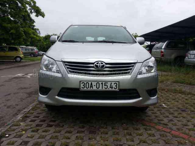 Cho thuê xe Inoval giá rẻ nhất Hà Nội