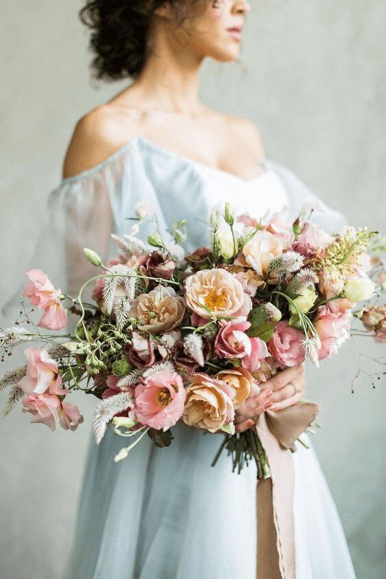 Hoa cưới trong hôn lễ