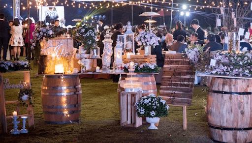 Tiệc cưới ngoài trời tại Nhà hàng Công viên nhỏ