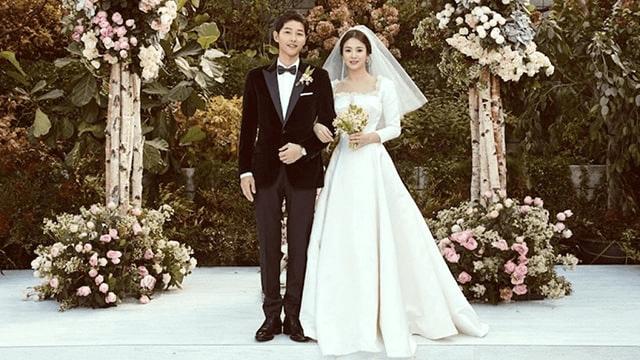 Váy cưới lụa trơn sang trọng