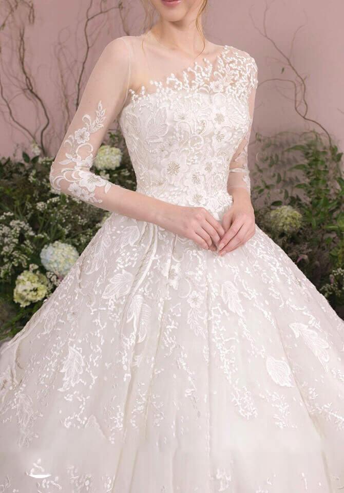 Váy cưới ren tinh tế